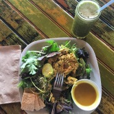 I ordered a curried salmon salad, and it was really really good! To drink I got their popeye punch green juice! I wanted all the greens! #healthystuff