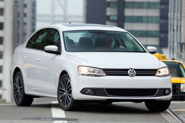 2012_Volkswagen_Jetta_GLI_3558474